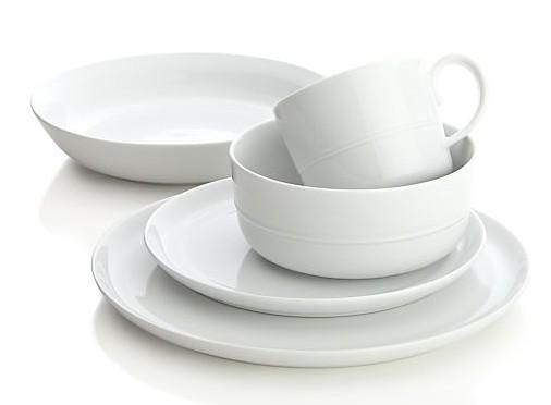 cat-hue-white-dinnerware