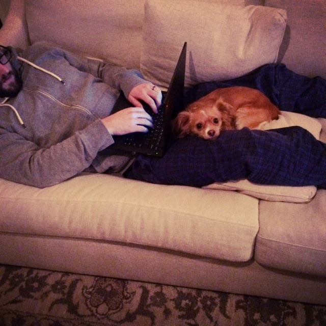 penny and kc on the couch